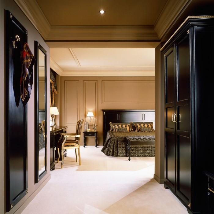 Roma Hotel Wardrobe