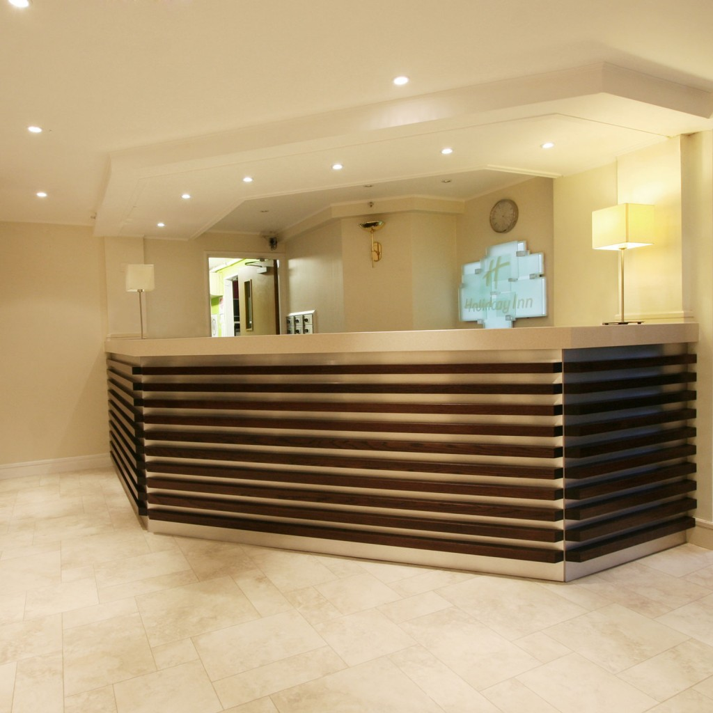 Hotel reception design bespoke reception desks furnotel for Design hotel reception