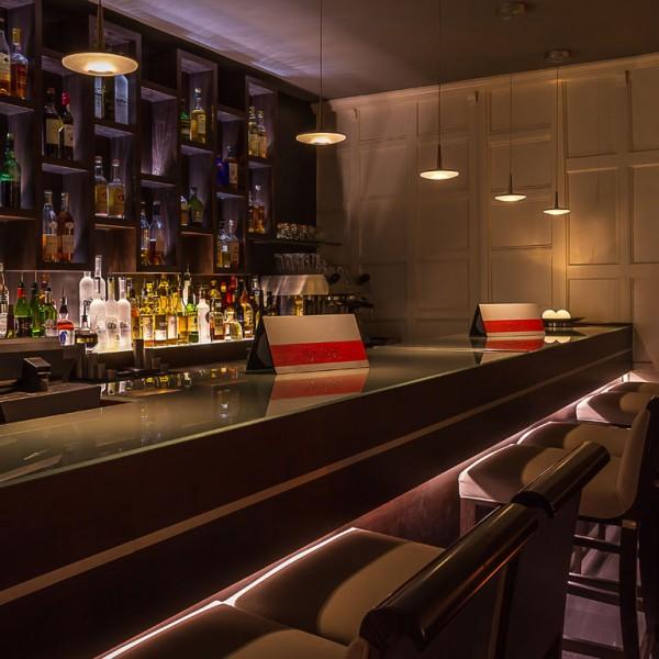 Bespoke Classis Bar Winehouse