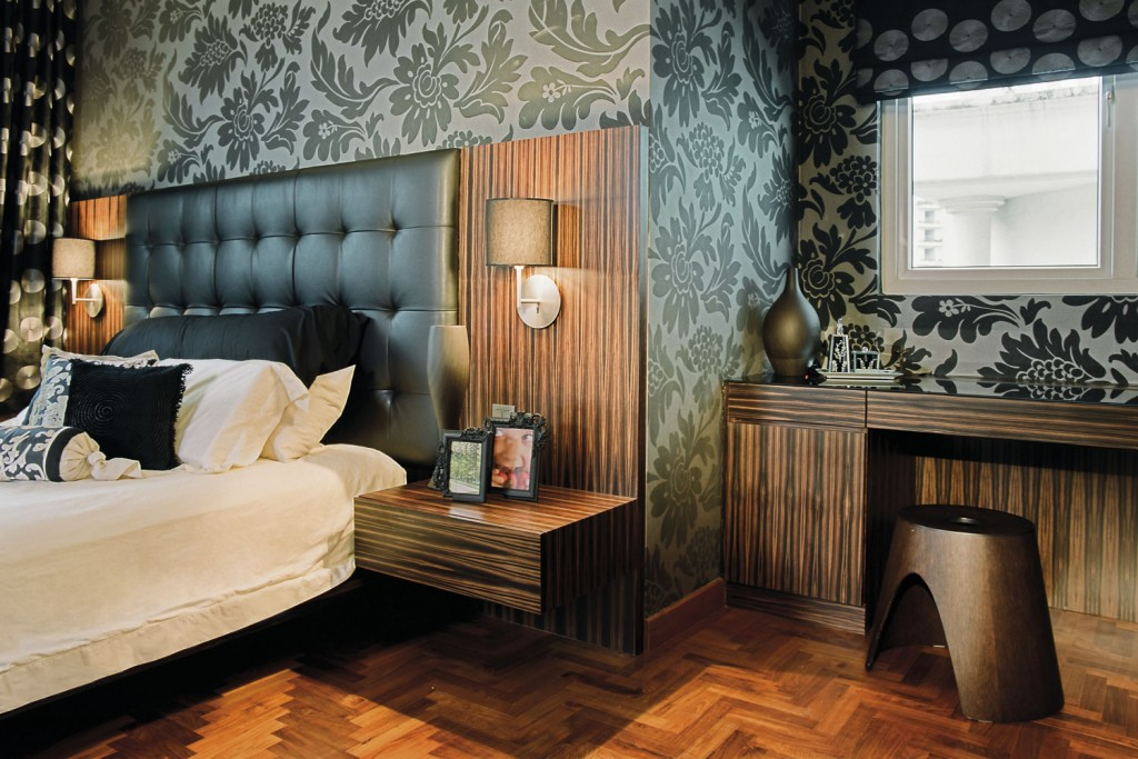718656 to learn more about our bespoke bedroom furniture service