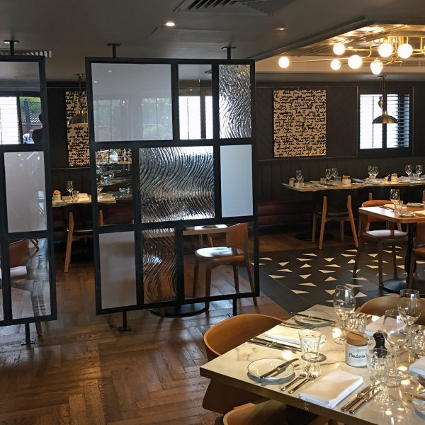 glass and metal restaurant dividers